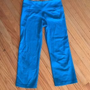 Lululemon light blue cropped leggings (size 4)